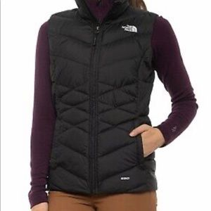 North Face Womens Puffy Vest M NWOT